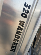 QUINTREX 320 WANDERER