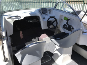 Freedom 600 Offshore Walkaround Cabin Boat 2007 Model