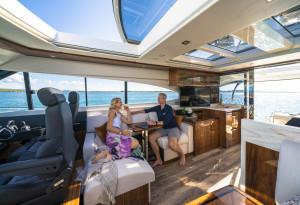 Riviera 6000 Sport Yacht Platinum Edition