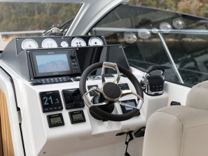 Sealine S330