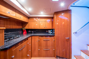 2009 Riviera 48 Offshore Express