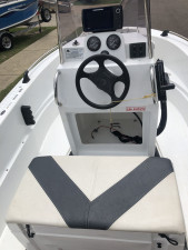 USED 2017 4200 SMARTWAVE CENTRE CONSOLE WITH 50HP MERCURY 4-STROKE (79HRS)