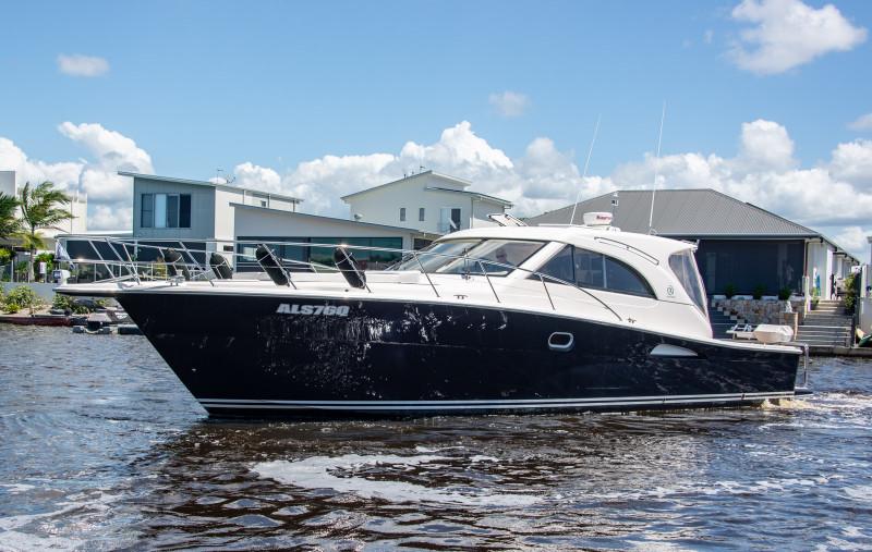 Riviera 43 Offshore Express
