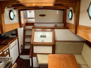 35 Custom Timber Cruiser David Jones