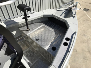 Bar Crusher 670XT Plate Aluminium Hard Top Centre Console