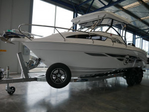 Revival 640 Offshore - Hard Top
