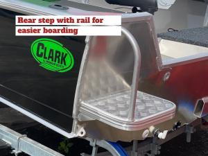 Clark 427 Pursuit Fishmaster