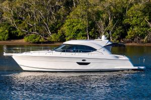 2007 Riviera 4400 Sport Yacht
