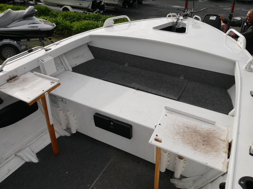 Quintrex 460 Dory - Side Console