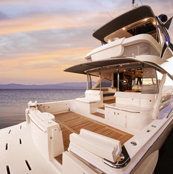 Riviera 64 Sports Motor Yacht