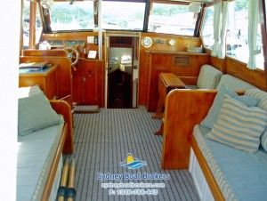 1963 Williams 33 Flybridge Cruiser