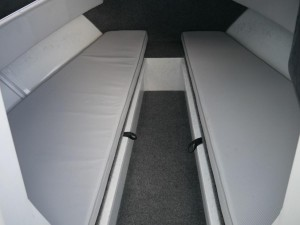 QUINTREX 610 TRIDENT - CABIN BOAT