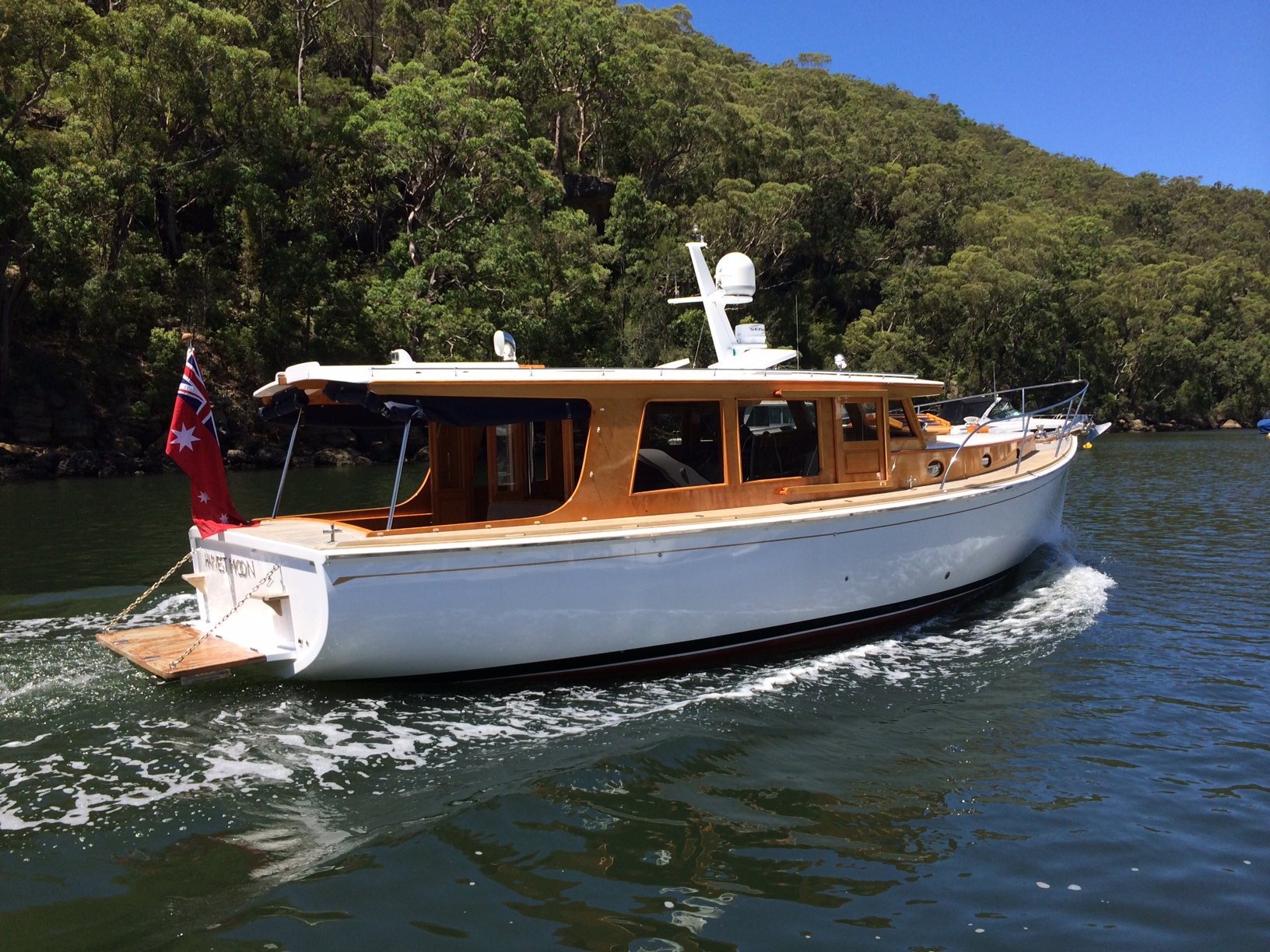 Halvorsen style Cloudy Bay 36' Timber Beauty