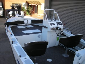 Noble 5 mt Side Console