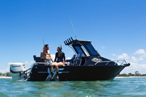 QUINTREX YELLOWFIN 5800 OFFSHORE - HARD TOP