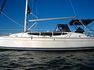 2013 Hunter 33 Cruising Yacht