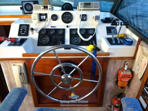 1985 Riviera 32 Flybridge
