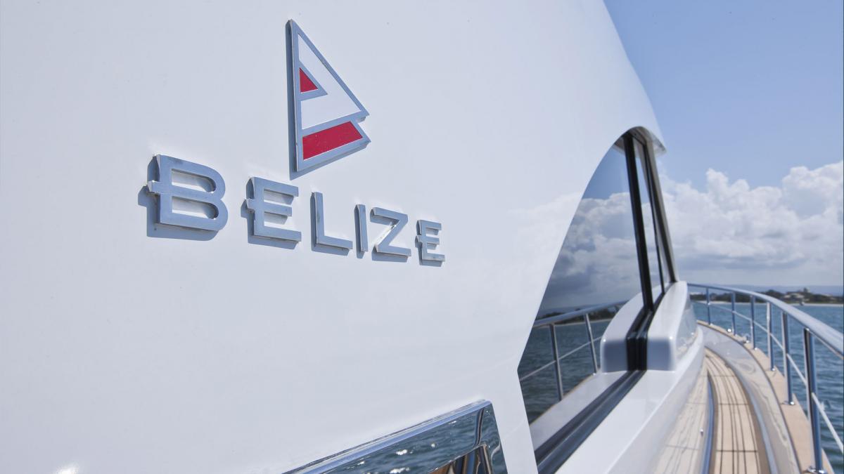 Belize 54 Sedan